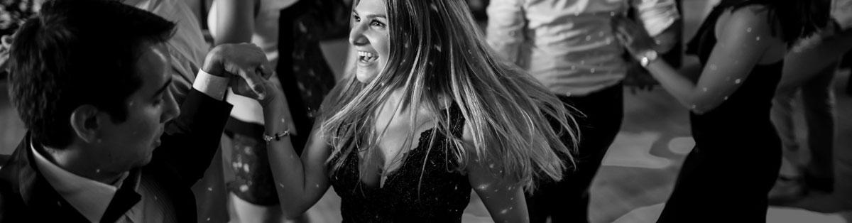 Nightshift wedding bands melbourne - Dancing at Wedding